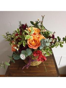 """Composizione regalo con fiori: """"Coccole"""""""